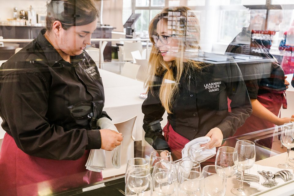 Igor Emmerich, Diageo Europe, two women in a practical lesson making drinks in a classroom