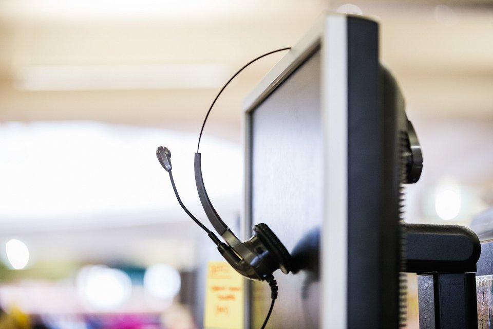 Igor Emmerich, RSA, MSL Group, office, corporate, photography, observations. headphones on a computer screen