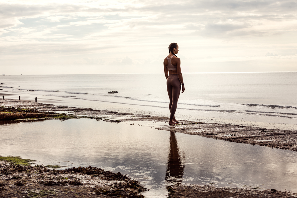 Igor Emmerich, woman, sports, beach, athlete, reflections, rest, calm, contemplating, run, sunrise, beautiful,